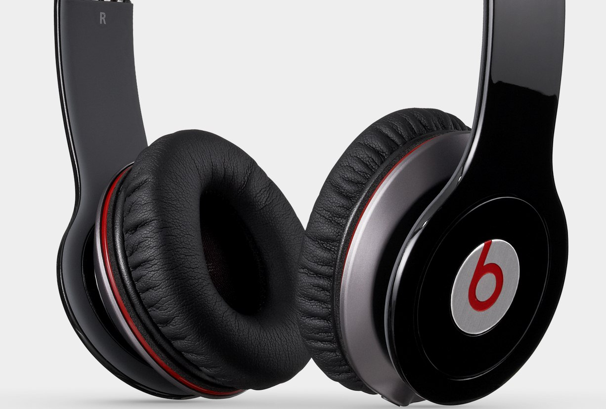 Apply-buys-Beats-by-Dre