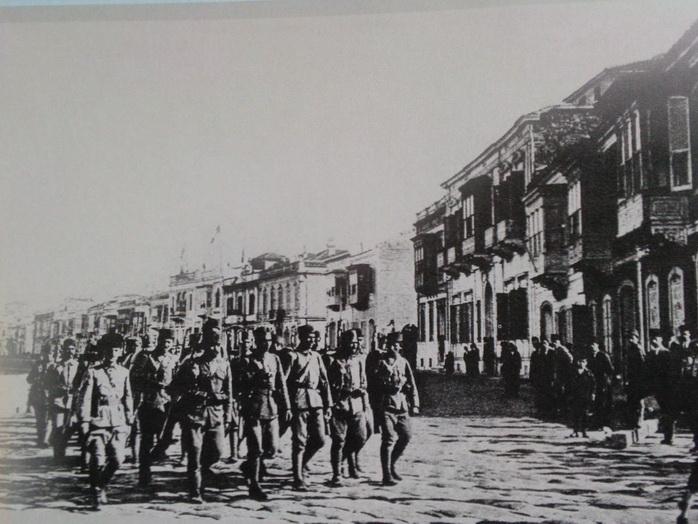 9-eyll-1922-cumartesi-gn-zmire-giren-trk-birlikleri