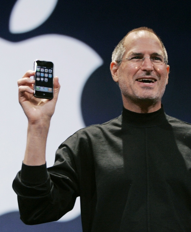 tech_iphone_history_gallery_1