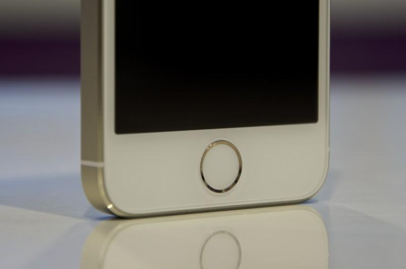 iPhone 5s Elma Dergisi